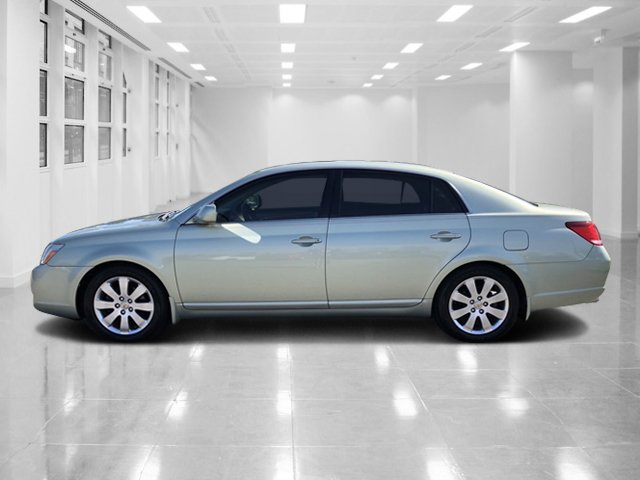 Pre-Owned 2006 Toyota Avalon XLS